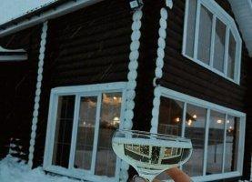 Снять - фото. Снять деревянный дом посуточно недорого, Свердловская область, улица Жаркова, 28 - фото.