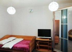 Снять - фото. Снять однокомнатную квартиру посуточно без посредников, Челябинск, улица Цвиллинга, 55А - фото.